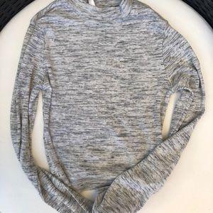 Cropped turtleneck long sleeve top